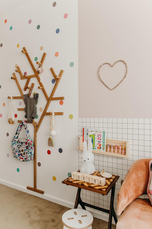 Como decorar a parede com adesivos