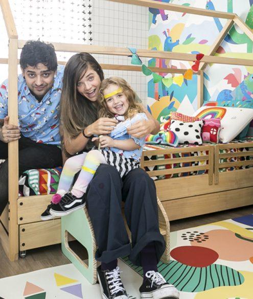 Mistura de estampas em quarto infantil