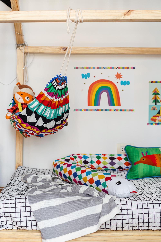 cama infantil com rede para bebê e protetor de cama