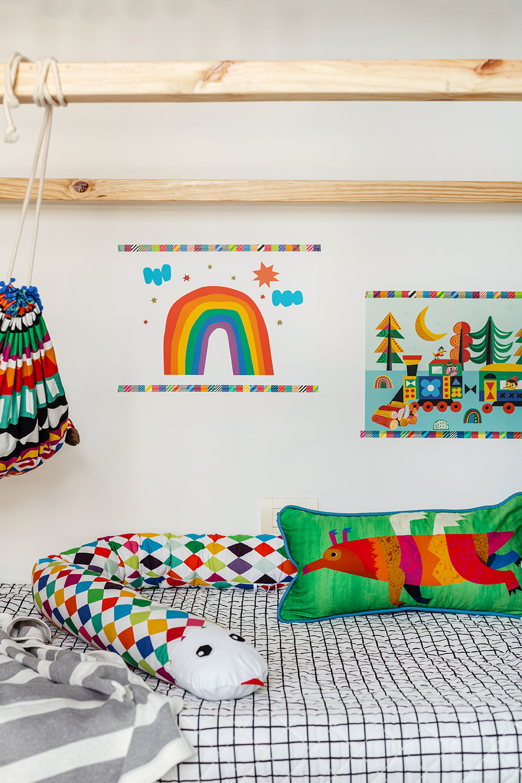 cama infantil com colcha matelassada e protetor de cama