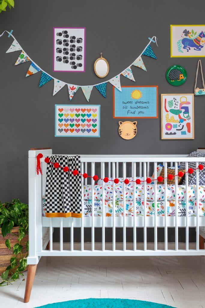 cores escuras para o quarto do bebê