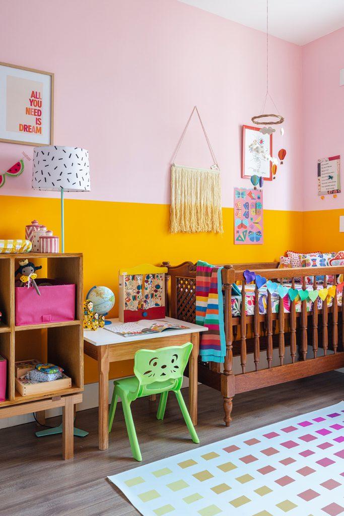 detalhes na parede do quarto do bebê