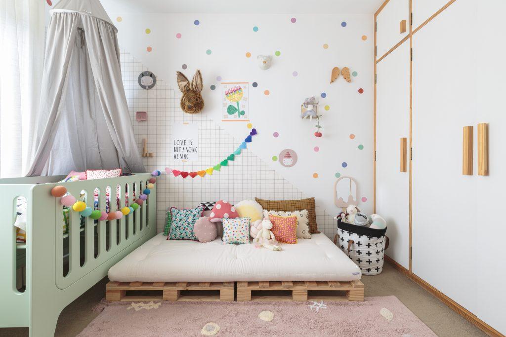 adesivo para quarto de bebê bolinhas coloridas