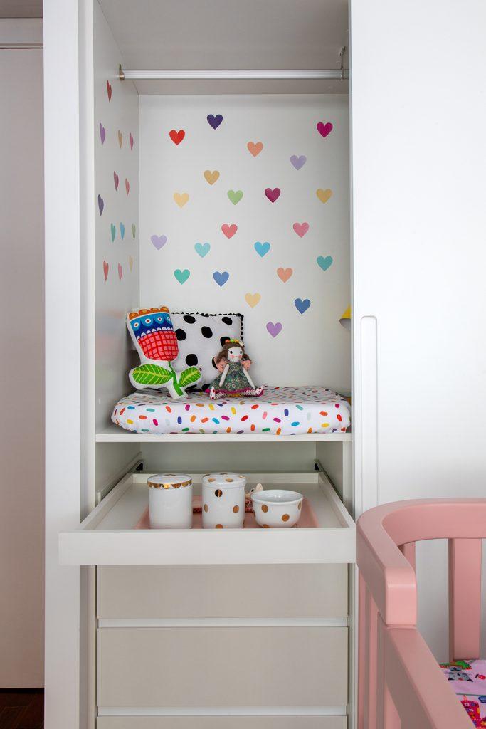 adesivo para quarto de bebê corações coloridos grandes