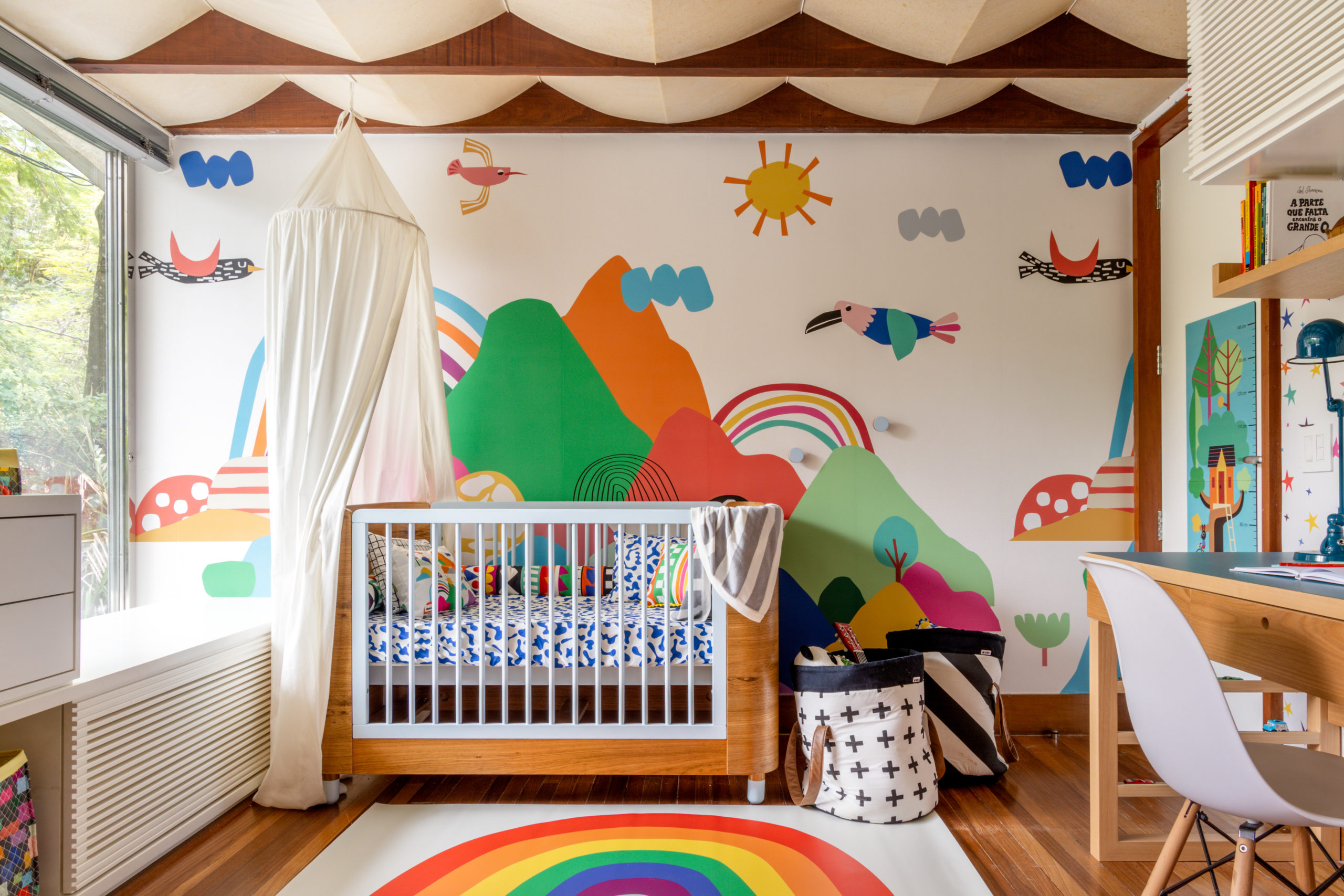 painel de parede no quarto do bebê